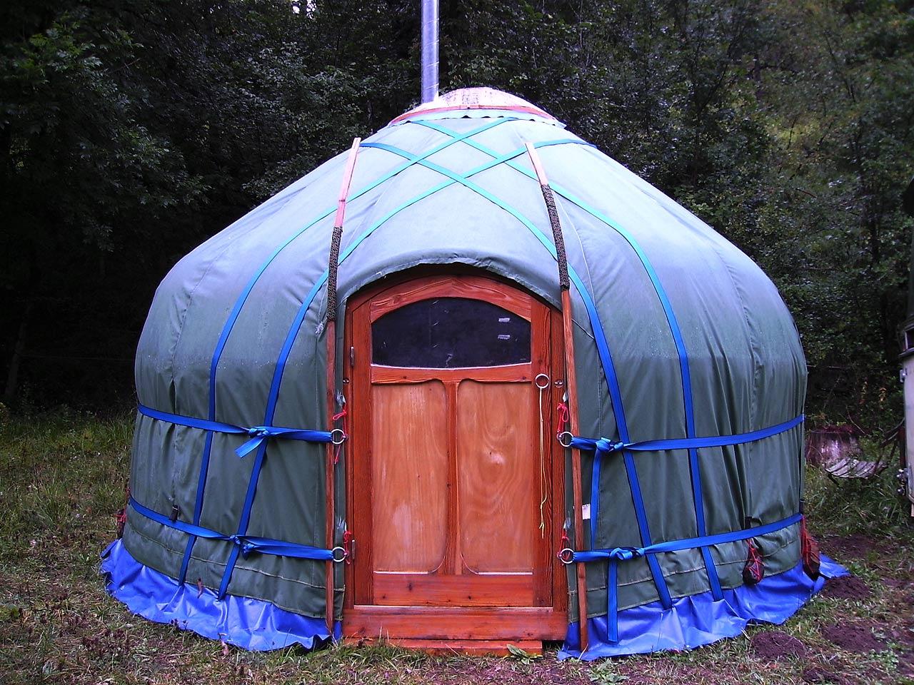 4 meter yurt anansi yurts. Black Bedroom Furniture Sets. Home Design Ideas